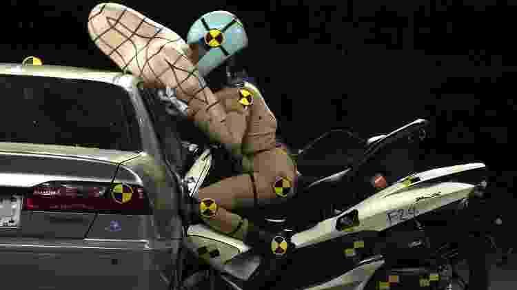 Honda também promete popularizar em breve o airbag para motocicletas  - Divulgação