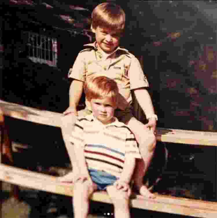 Príncipe William e Harry na infância - Reprodução/InstagramKensington Palace