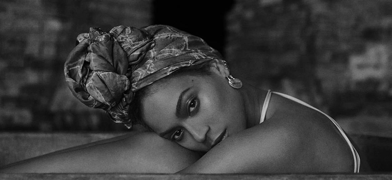 """Beyoncé em foto do livro """"How to Make Lemonade"""" - Divulgação"""