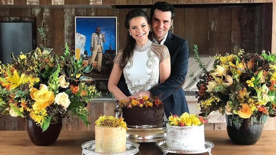 Milena Toscano e o marido, o empresário Pedro Ozores, durante a comemoração do casamento civil  - Reprodução/Instagram