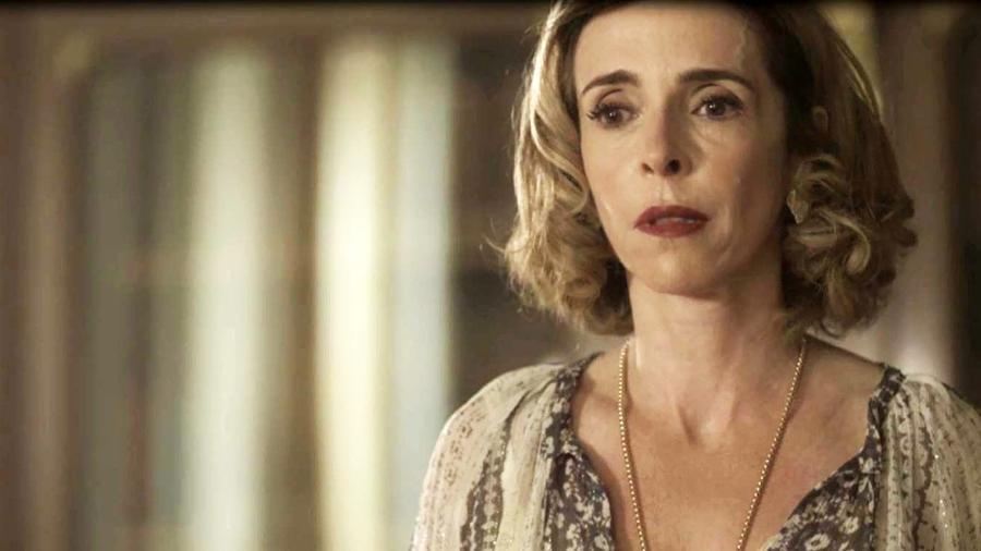 """Deborah Evelyn é Alzira em """"Tempo de Amar"""" - Reprodução/Globo"""