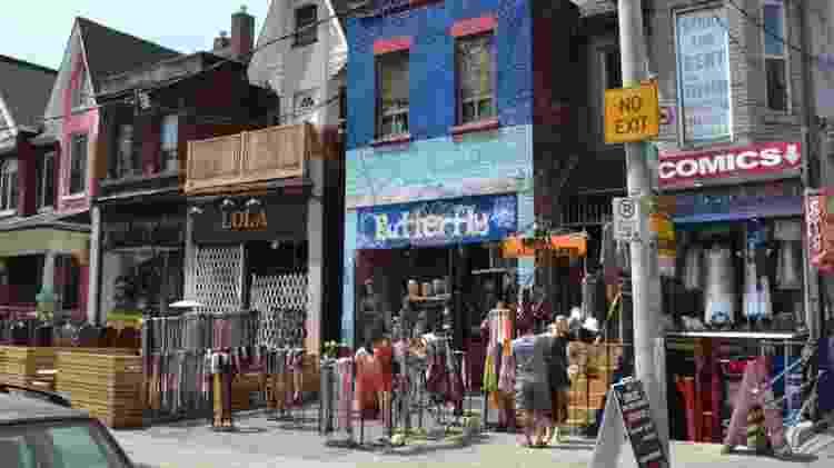 Kensington Market, em Toronto - roupas vintage, quitandas, cafeterias, restaurantes, barbearias e muito mais - Renê Castro