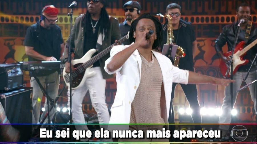 """Toni Garrido se apresentou com o Cidade Negra no quadro """"Ding Dong"""" no Programa do Faustão - Reprodução/TV Globo"""