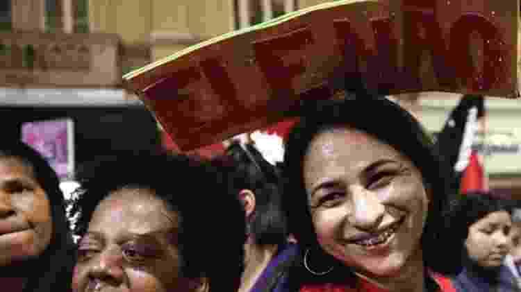 'O movimento está muito forte. Há um diálogo direto entre as mulheres: é a eleitora que convence a tia, a avó, uma vizinha a não votar no Bolsonaro', diz cientista social - Reuters - Reuters