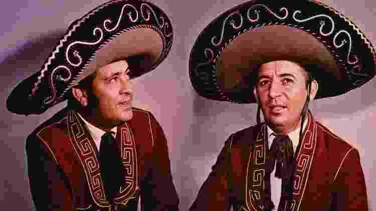 A dupla Pedro Bento e Zé Estrada, que ficou famosa por incorporar elementos mexicanos à música sertaneja - Reprodução - Reprodução