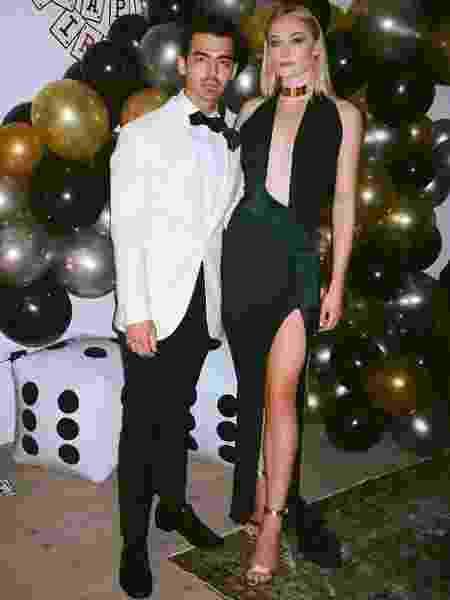 Joe Jonas e Sophie Turner no aniversário de 30 anos do cantor - Reprodução/Instagram