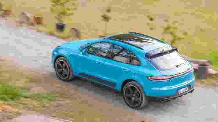 Filete unindo as lanternas na traseira é nova identidade visual da Porsche - Marcos Camargo/UOL