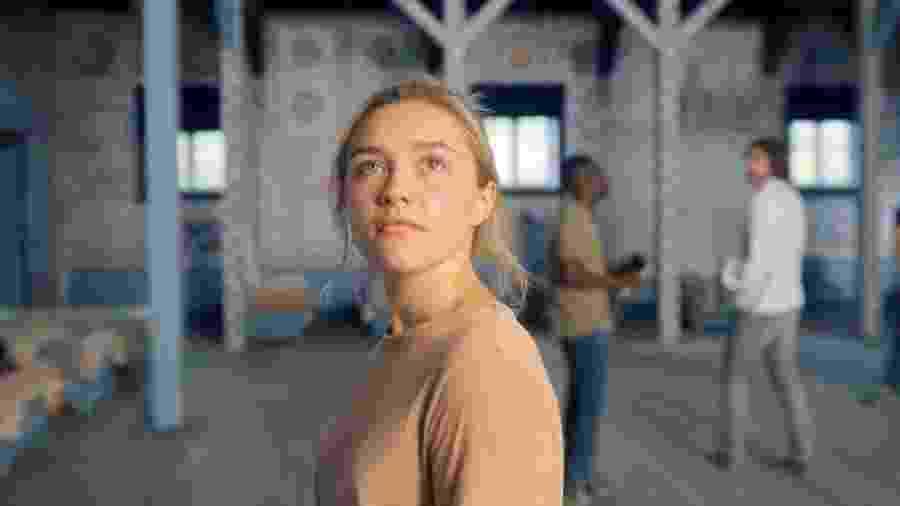 Florence Pugh em cena de Midsommar: O Mal Não Espera a Noite - Reprodução