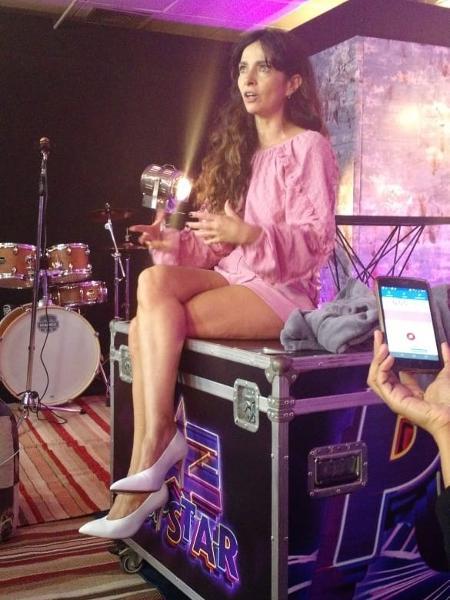 Claudia Ohana, durante bastidores do Popstar - Marcela Ribeiro/UOL
