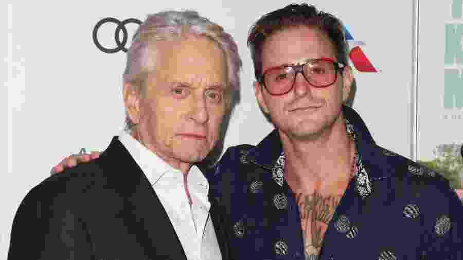 Michael Douglas e seu filho, Cameron Douglas, em evento em Hollywood - Paul Archuleta/FilmMagic