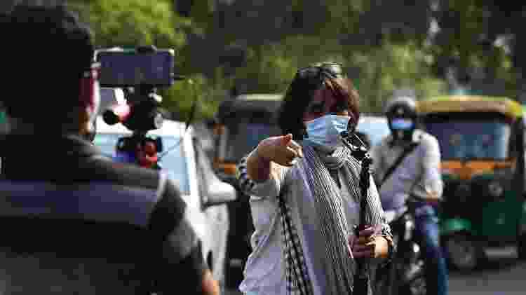 Barkha Dutt está viajando pela Índia para relatar a crise do coronavírus - AFP - AFP