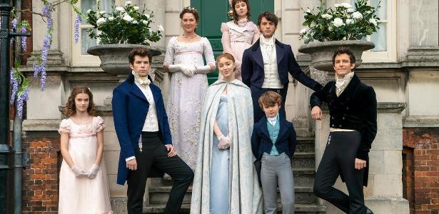 """Visitamos o set de 'Bridgerton': """"Não é a série de época da sua mãe"""" -  01/11/2020 - UOL Splash"""