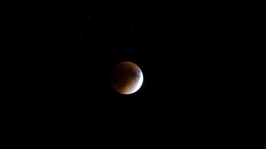 Primeiro eclipse do ano acontece em Sagitário - Kelly Sikkema/Unsplash