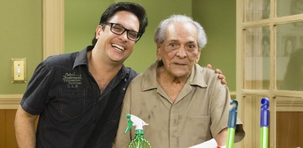 """Lucio Mauro Filho com o pai, Lúcio Mauro, que fez uma participação especial na """"Escolinha do Prof. Raimundo"""" - Divulgação"""
