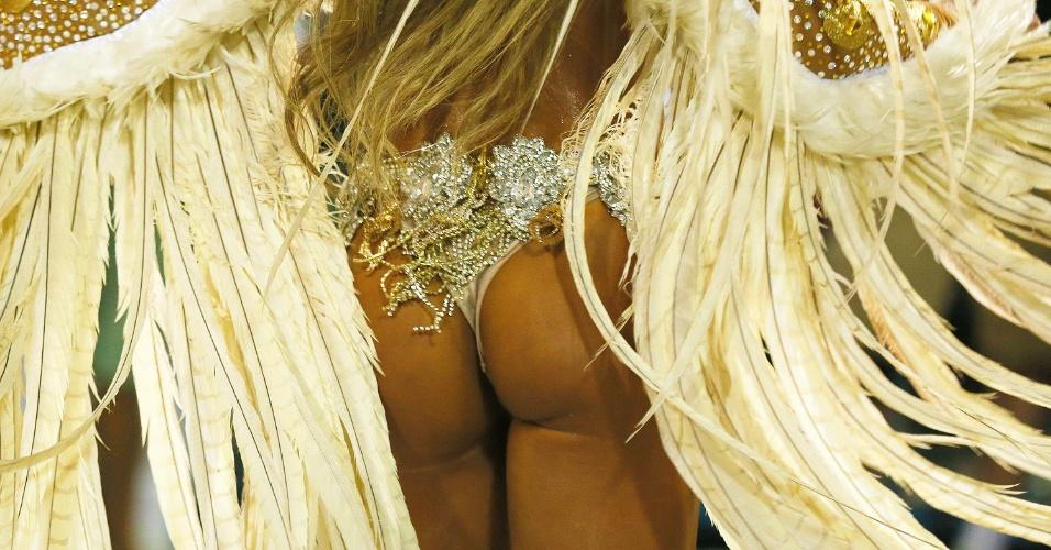 8.fev.2016 - Parte de trás da fantasia usada por Nicole Bahls, no desfile de Vila Isabel