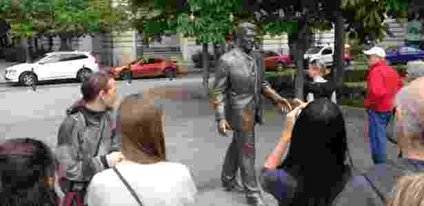 """No """"tour comunista"""" por Budapeste, turistas também cruzam com o outro lado da moeda: Ronald Reagan - Marcel Vincenti/UOL - Marcel Vincenti/UOL"""