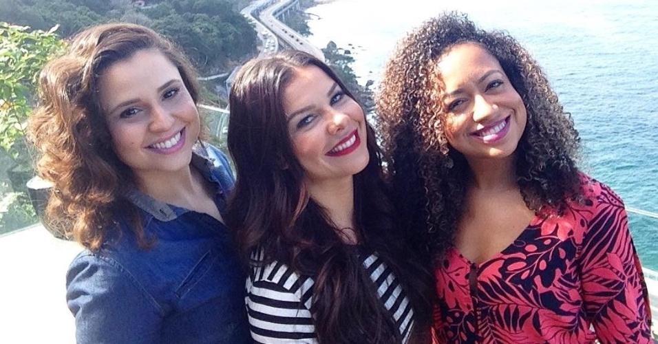 28.jun.2016 - Francis Helena, Fernanda Souza e Aretha Oliveira relembraram