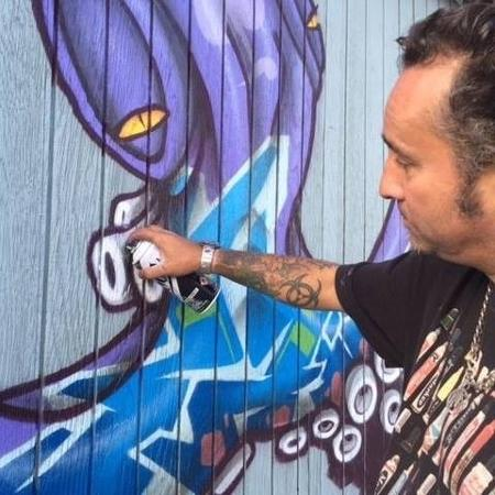 O grafiteiro Binho Ribeiro - Reprodução/Facebook