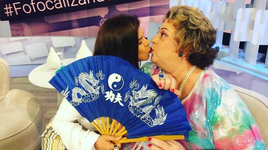 Mara Maravilha e Mamma Bruschetta dão selinho - Reprodução/Instagram