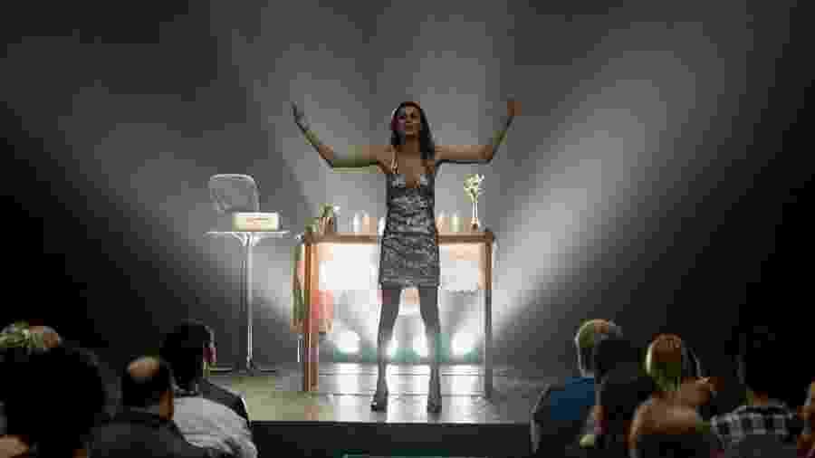 """A atriz transexual Renata Carvalho em cena da peça """"O Evangelho Segundo Jesus, Rainha do Céu"""" - Reprodução/Facebook"""