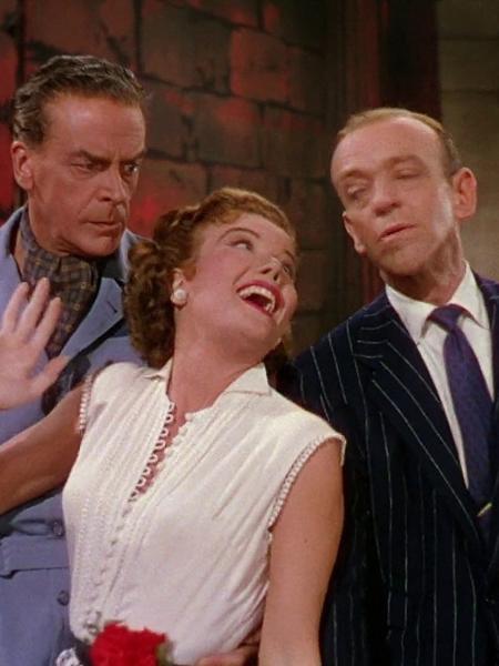 """Fred Astaire, Jack Buchanan e Nanette Fabray em cena no filme """"A Roda da Fortuna"""" (1953) - Divulgação"""