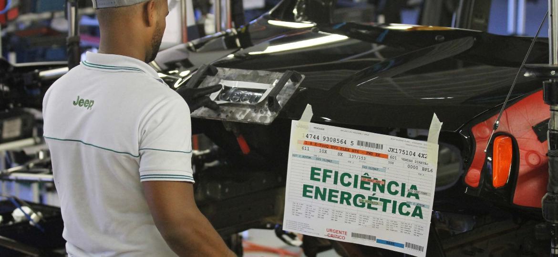 """Fábrica da FCA em Goiana (PE): com """"Rota 2030"""", promessa é que carros brasileiros se tornem mais eficientes em consumo e emissão de poluentes - Marlon Costa/Futura Press/Folhapress"""