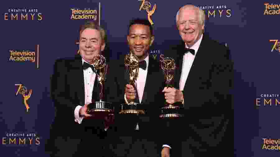 Andrew Lloyd Webber, John Legend e Tim Price comemoram a conquista do Emmy - E. Rodriguez/Getty Images