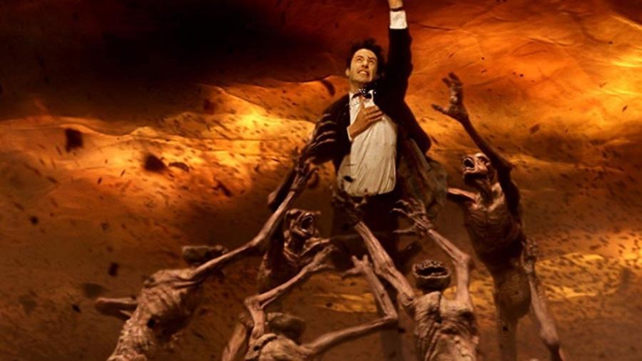 """Keanu Reeves em """"Constantine"""" (2005) - Divulgação"""