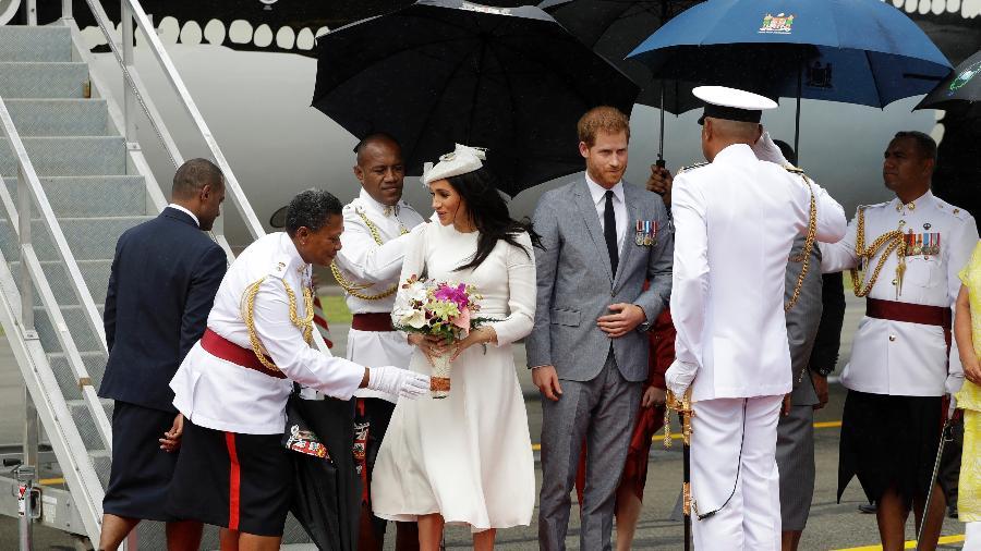 Príncipe Harry e Meghan Markle chegaram a Fiji nesta terça-feira (23) - Getty Images