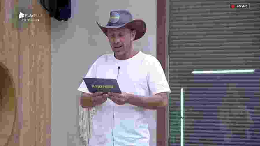 Rafael Ilha avisa peões sobre atividade especial  - Reprodução/PlayPlus