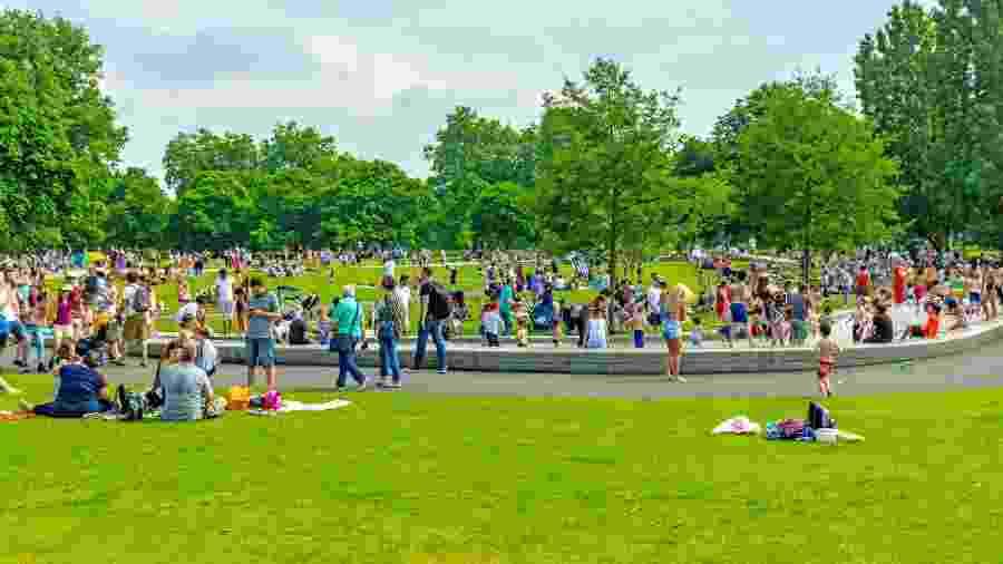 Apresentações devem respeitar distanciamento recomendado; Foto ilustrativa do Hyden Park, em Londres, antes da pandemia de coronavírus - Alphotographic/Getty Images