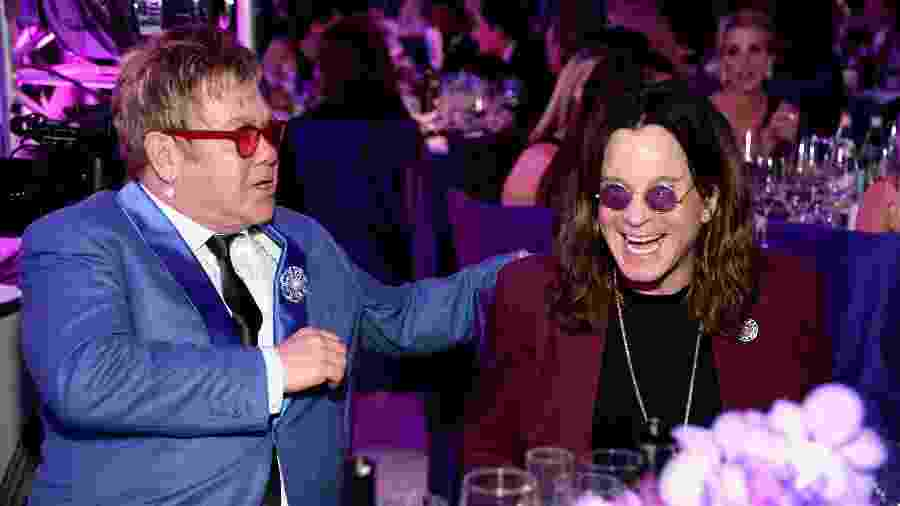 22.02.2015 - Elton John e Ozzy Osbourne em evento da Elton John AIDS Foundation - Getty Images for EJAF