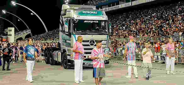 Mercedes-Benz e Rosas de Ouro possuem parceria em SP há nove anos - Divulgação