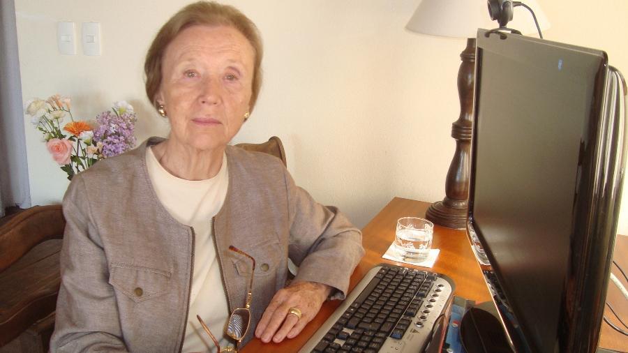Elisabeth Wagner dá aula de inglês pelo Youtube; ela nasceu no Brasil, mas viveu na Europa no período da 2ª Guerra Mundial, e conta sua história - Arquivo Pessoal