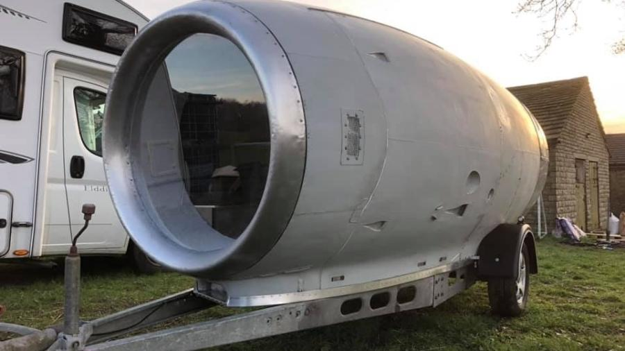 Turbina de avião vira trailer com sala de estar - Divulgação