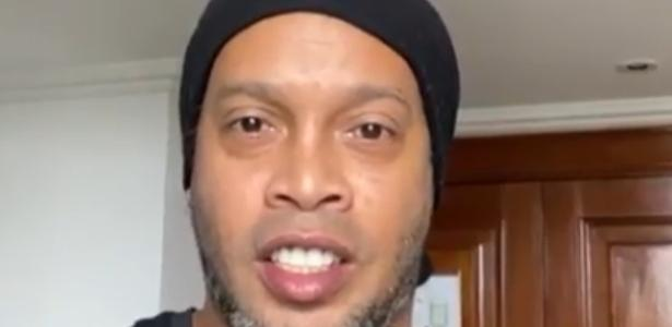 Ronaldinho Gaúcho testa positivo para covid-19 e está assintomático