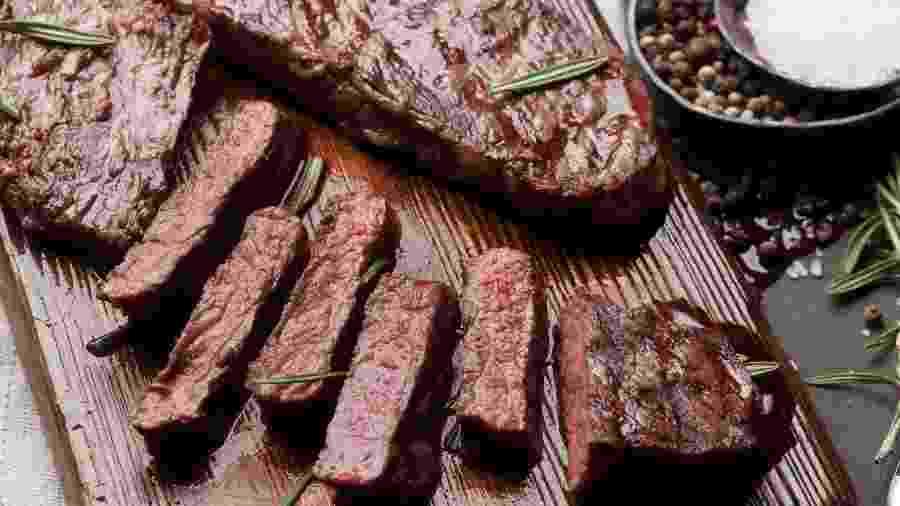 Sabor intenso e marmoreio: características marcantes do denver steak - Getty Images/iStockphoto