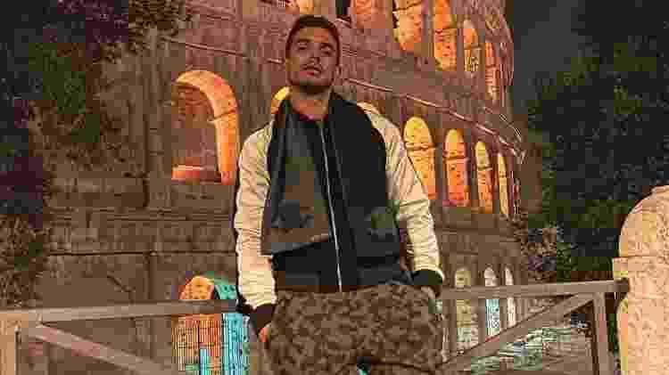 Matheus Sampaio vai a Itália e posa em frente a cartão postal de Roma - Reprodução/Instagram - Reprodução/Instagram