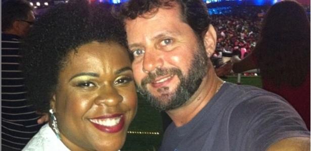 Cacau Protásio e o noivo, o fotógrafo Janderson Pires oficializam a união no dia 24 de julho