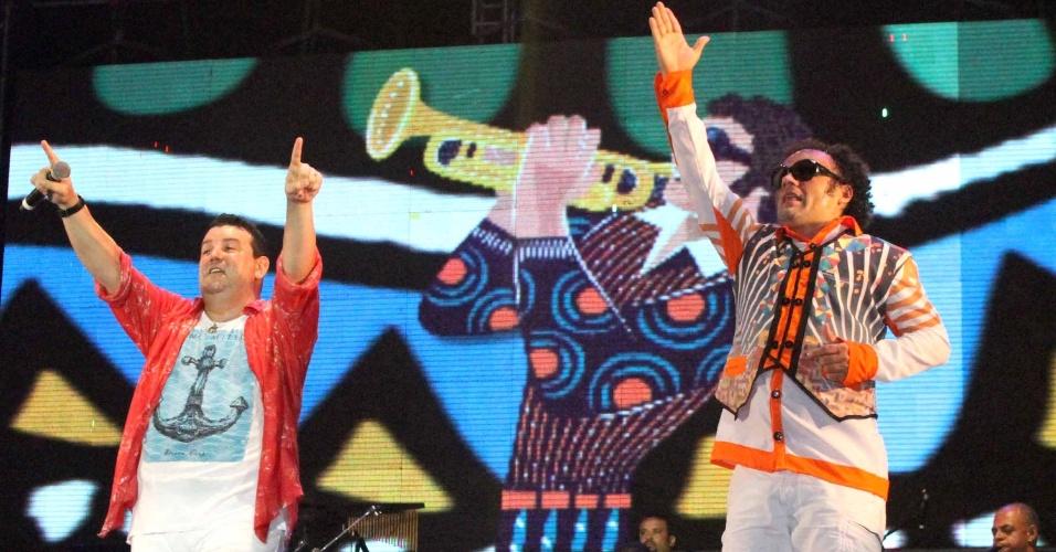 5.fev.2015 - Festa de Abertura do Carnaval no Marco Zero, no Recife, com o Maestro Forró e orquestra da Bomba do Hemetério