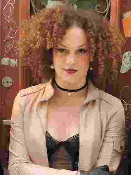 Leonarda já aprendeu a selecionar e não sai mais com homens preconceituosos - Reprodução/ Facebook