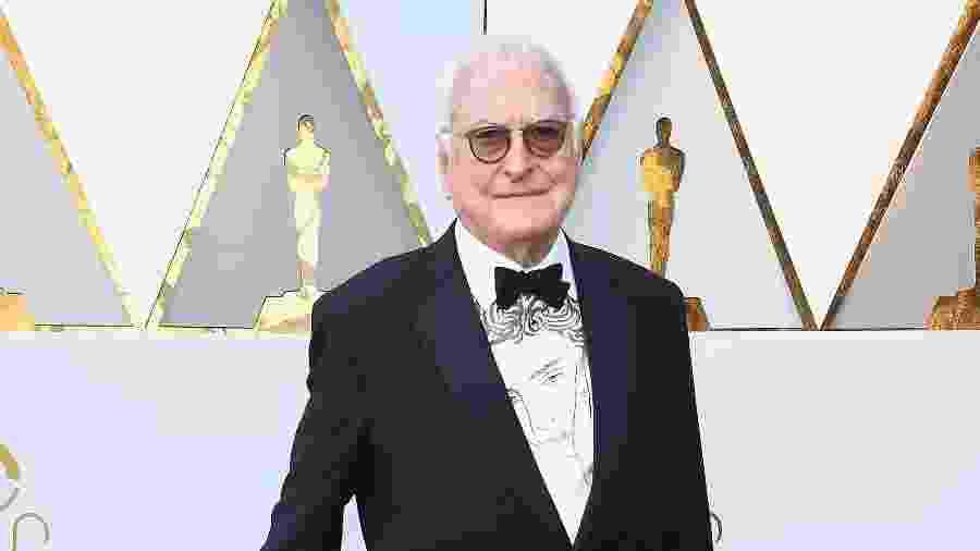 """O roteirista James Ivory, indicado ao Oscar por """"Me Chame pelo seu Nome"""", usa camisa com o rosto de seu colega de filme, o ator Timothée Chalamet - Frazer Harrison/Getty Images"""