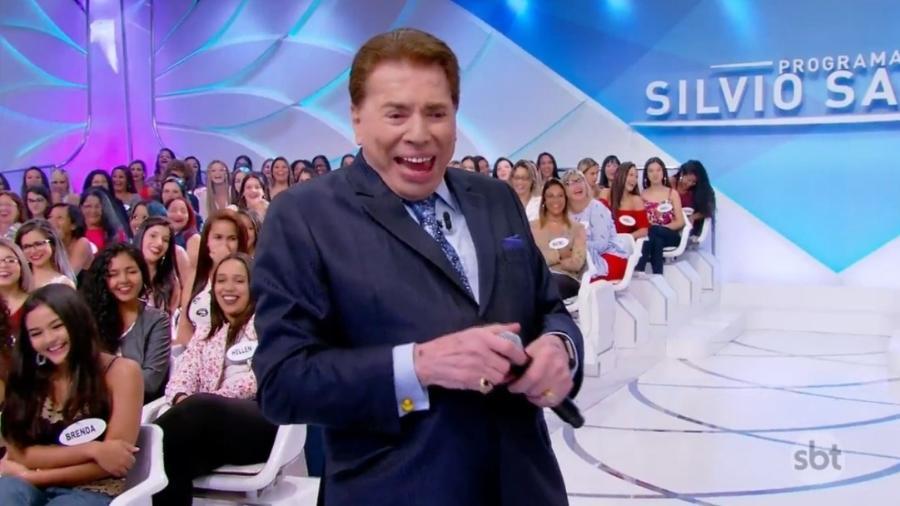 Silvio Santos ri durante o programa - Reprodução/SBT