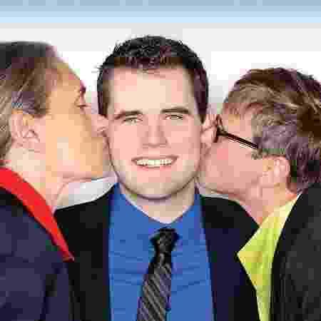 Zach Wahls com as mães, Terry e Jackie  - Facebook