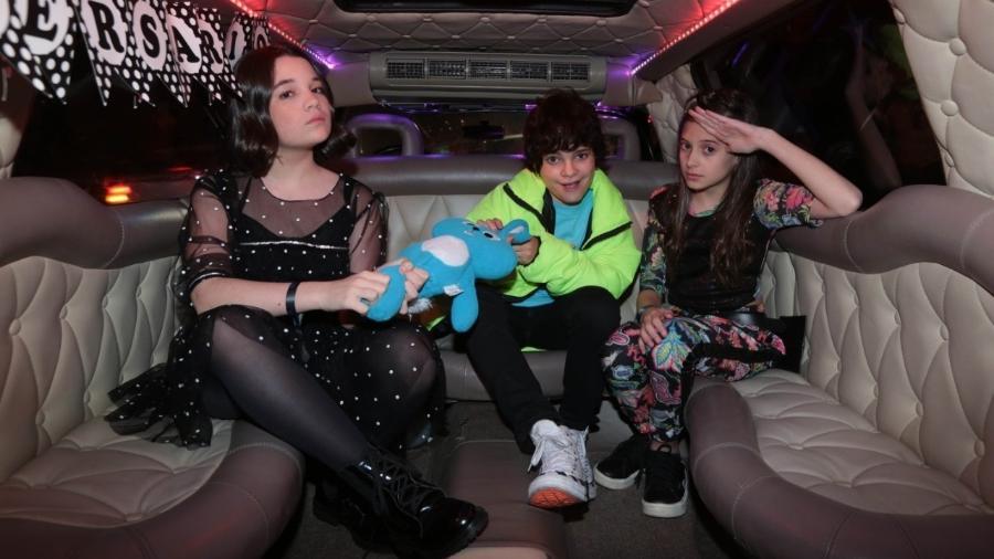 Kevin Vechiatto, o Cebolinha de Turma da Mônica: Laços, comemora 13 anos em limousine com Giulia Benite (Mônica) e Laura Rauseo (Magali) - Divulgação
