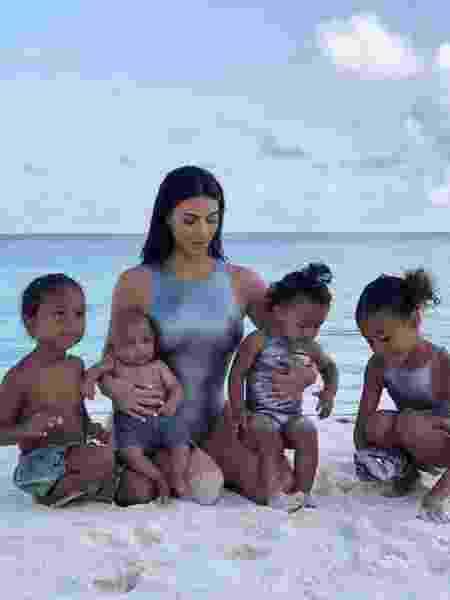Kim Kardashian com os quatro filhos - Reprodução/Instagram