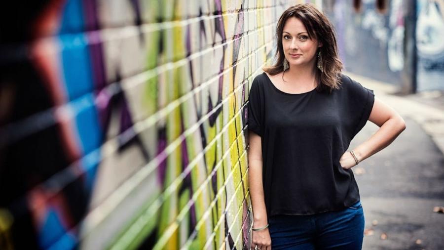 Celeste Barber (foto) já recebeu doações de mais 1 milhão de pessoas para ajudar no combate aos incêndios na Austrália - Divulgação
