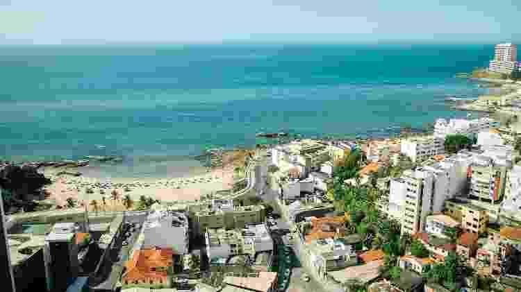 Vista da estadia do Circuito Airbnb no Carnaval de Salvador para a Praia da Paciência - Gee Galvão