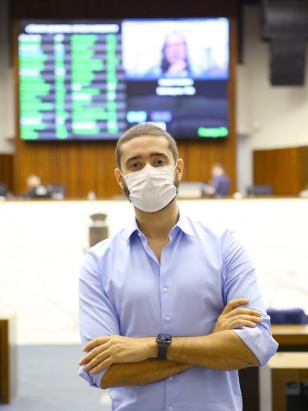 Gabriel Azevedo suspendeu as redes sociais e está sendo acompanhado por médicos em casa - Instagram/Reprodução