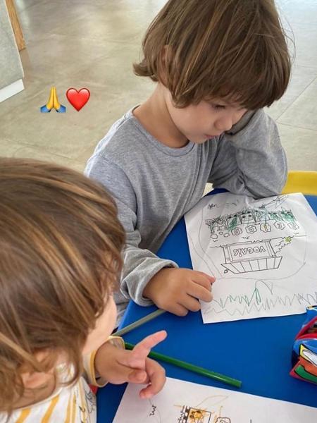 Gusttavo Lima mostrou imagem com os filhos no Instagram - Reprodução/Instagram @gusttavolima